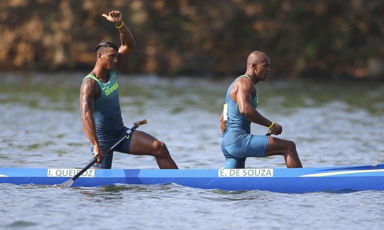 Isaquias Queiroz e Erlon Silva -  - Reuters/Marcos Brindicci/Direitos Reservados