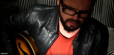 Terence Machado entrevista o músico Bruno Souto no Alto-Falante