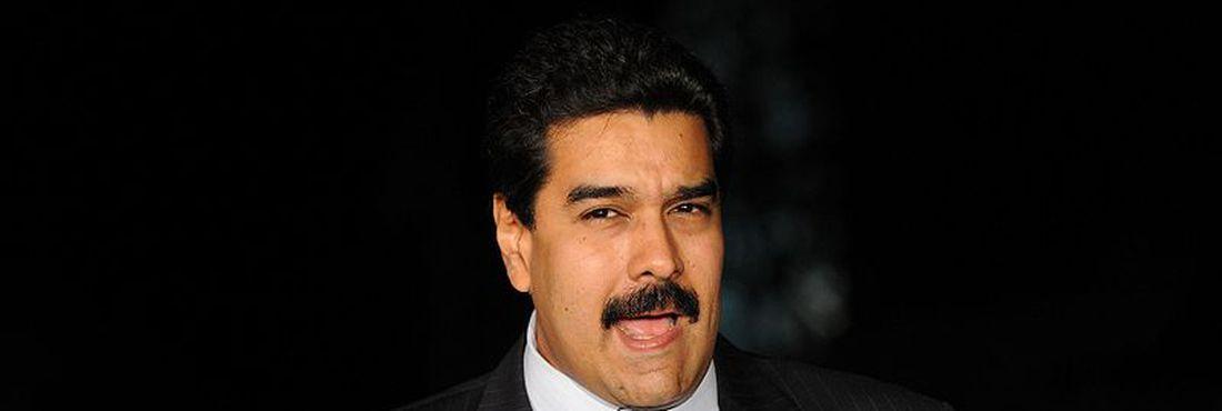 As novas eleições presidenciais devem ser marcadas para 30 dias após o empossamento de Maduro como presidente interino.