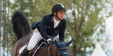 Cavaleiro brasileiro vence prova de saltos na França