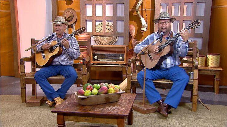 João Carlos & Carlos Leite.cantam uma boa moda de viola no Brasil Caipira