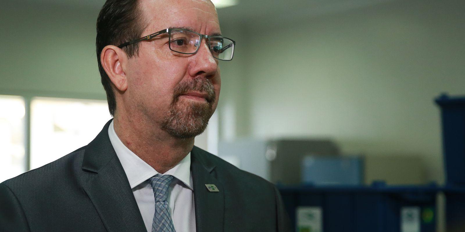 O presidente da Embrapa Celso Luiz Moretti fala à imprensa
