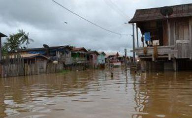 cheia no Amazonas (Divulgação/Defesa Civil do Amazonas)