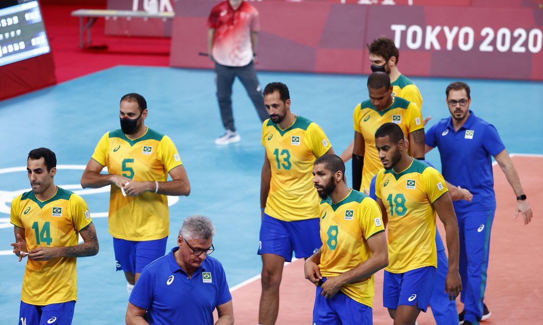 Jogadores da seleção brasileira após derrota para a Rússia na Olimpíada de Tóquio
