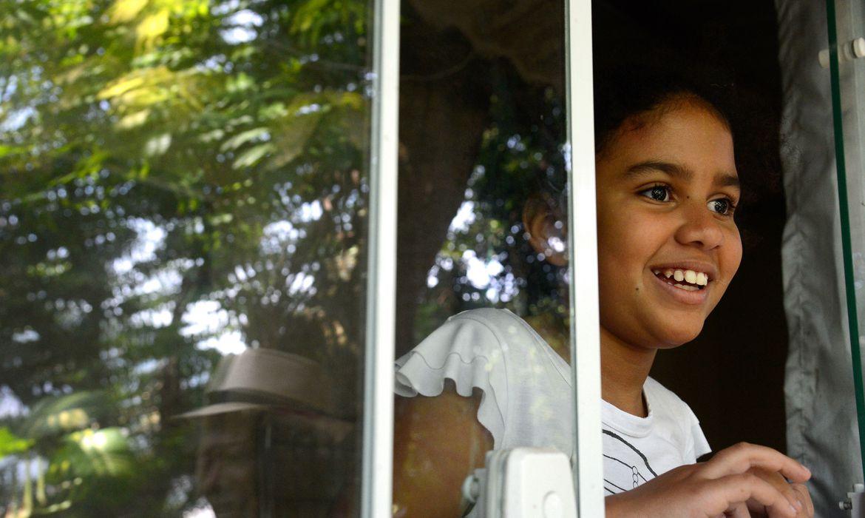 Rio de Janeiro - Quilombo Sacopã, na Lagoa Rodrigo de Freitas. Justiça penhora bens da comunidade quilombola em um processo tramitado por 30 anos na justiça. Na foto Maria Eduarda Garces Pinto, 8, neta do líder comunitário Luiz Sacopã.