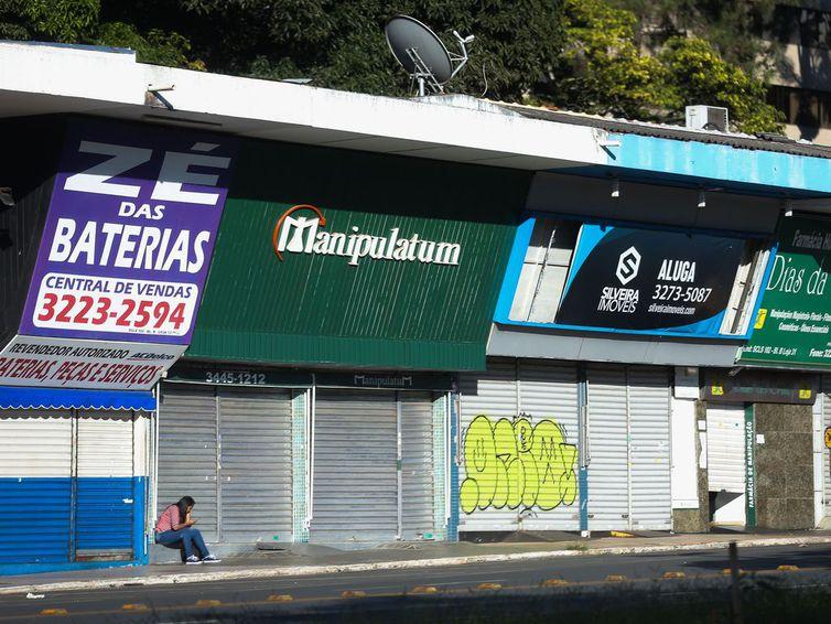 Comércio Brasília continua fechado