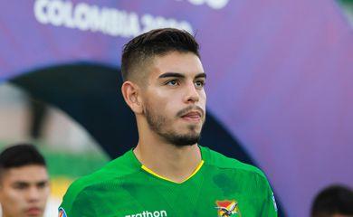 Zagueiro Carrasco, da seleção boliviana, está ansioso para enfrentar o Brasil