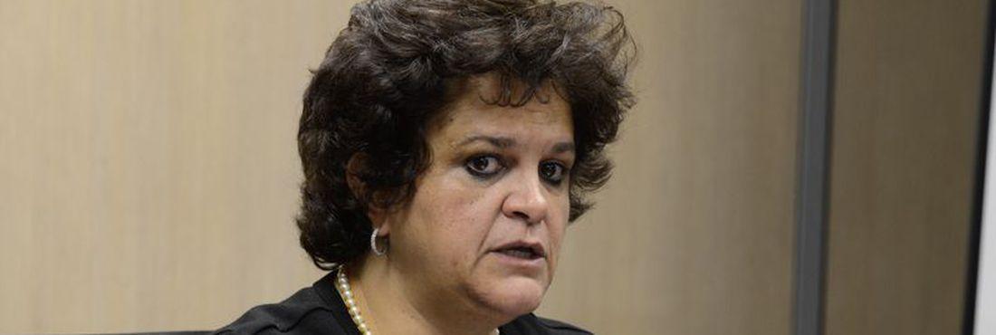 Izabela Teixeira, ministra do Meio Ambiente  18/08/2014