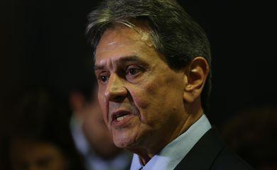 Roberto Jefferson fala à imprensa no Palácio do Planalto