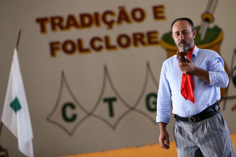 Brasília: Gilberto José Zórtea, patrão do Centro de Tradições Gaúchas (CTG) Jayme Caetano Braun, durante entrevista para a Agência Brasil.  (Foto: Marcelo Camargo/Agência Brasil)