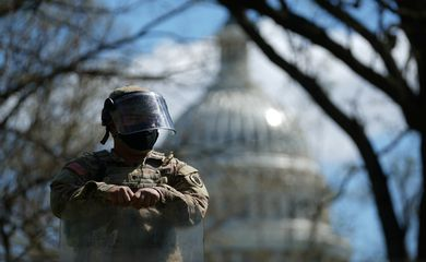 U.S. Capitol and congressional office buildings locked down in Washington