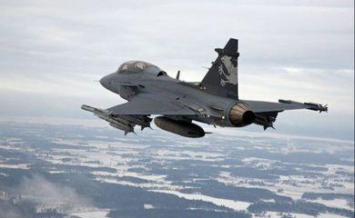 caça sueco Gripen