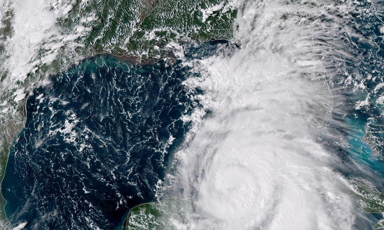 USA10 - COSTAS DE EE.UU.- 8/10/2018.- Fotografía cedida por la Administración Nacional Oceánica y Atmosférica de los Estados Unidos (NOAA) el 8 de octubre de 2018, que muestra una imagen satelital Geo-Color del huracán Michael que se aproxima a