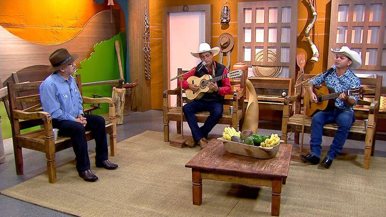 Carlos Henrique & Juliano cantam seus maiores sucessos no Brasil Caipira