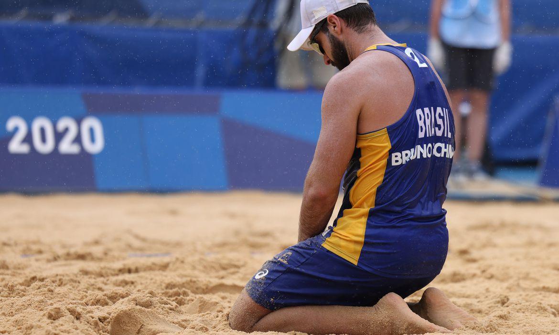 Bruno Schmidt lamenta derrota para dupla da Letônia durante Tóquio 2020
