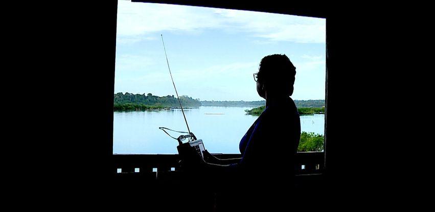 Melânia Gonçalves ouve a Rádio Nacional da Amazônia diariamente