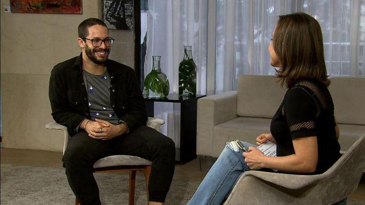 Katiuscia Neri entrevista o ator brasiliense Rainer Cadete