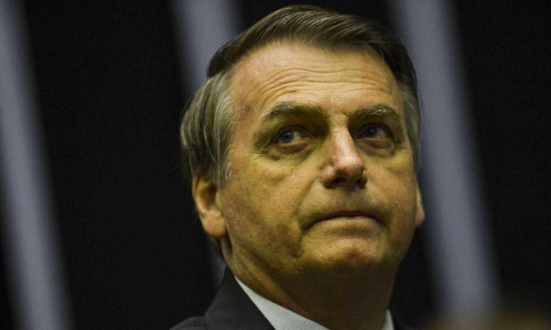 O Presidente Jair Bolsonaro vai à Câmara dos Deputados para participar de culto religioso e sessão solene em homenagem aos 42 anos da Igreja Universal do Reino de Deus.