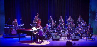 Nelson Ayres Big Band