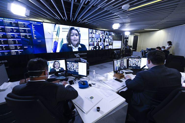 Sessão Deliberativa Remota (SDR) do Senadora Leila Barros (PSB-DF) em pronunciamento via videoconferência.  Na pauta, proposta de inclusão da covid-19 em seguros de vida e prorrogação de crédito