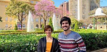 Meu Pedaço do Brasil Arquiteta Mariana Hardy com Bruno Barros na Praça da Liberdade