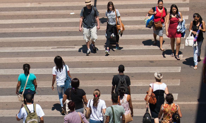Faixa de pedestre no Distrito Federal completa 20 anos (Marcello Casal Jr/Arquivo Agência Brasil)