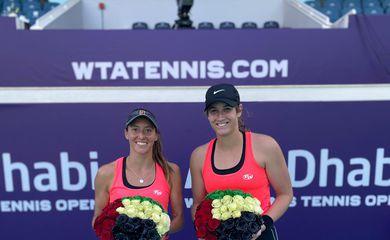 Stefani e Carter - vice-campeãs - WTA 500 de Abu Dhabi