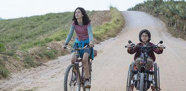 Sobre rodas: road movie infantojuvenil tem fotografia poética e lição de amor