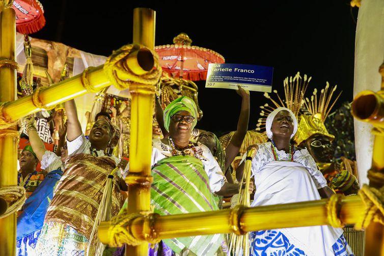 A Mangueira, como enredo História para Ninar Gente Grande, exaltando heróis populares da história, foi a campeã do carnaval 2020