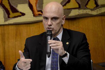 Moraes entrega anteprojeto de lei sobre o combate ao tráfico de drogas