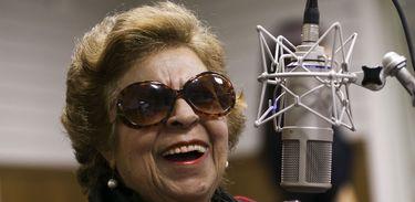 Cantora Leny Andrade relembra grandes encontros musicais