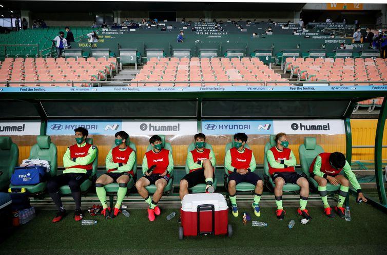 Campeonato Sul-Coreano de Futebol é primeiro a voltar no mundo