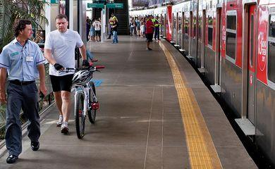 Ciclista,Bike,trem,Metrô