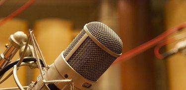 Microfone de Estúdio de Rádio