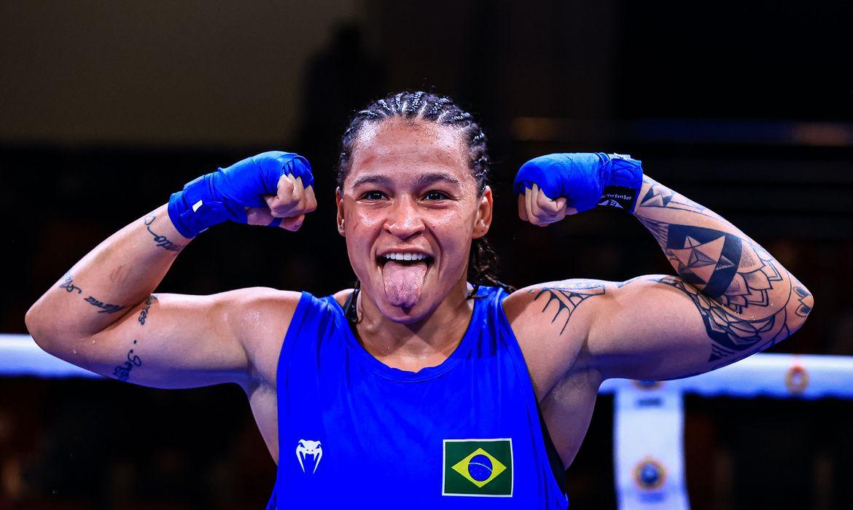 Bia Ferreira ganha ouro no Mundial Militar de boxe