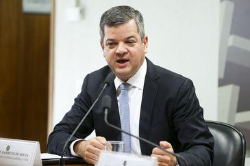 Brasília - Alexandre Barreto de Souza, indicado ao cargo de presidente do Conselho Administrativo de Defesa Econômica,  é sabatinado na Comissão de Assuntos Econômicos (Marcelo Camargo/Agência Brasil)
