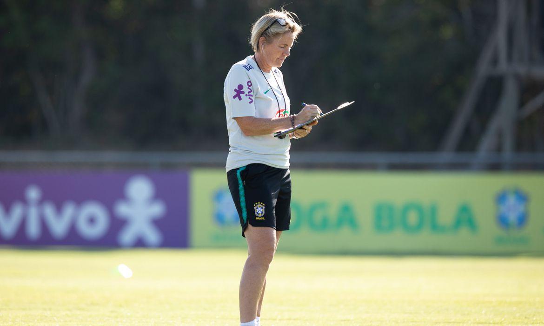Lilie Persson acompanha as jogadoras do Brasil espalhadas pelo Velho Continente, pensando na Olimpíada de Tóquio (Japão) e até na Copa de 2023.
