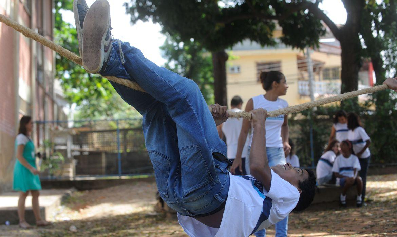 Direitos das Crianças no país da Copa - Rio e São Paulo