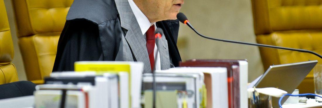Valdemar Costa Neto ainda é acusado de formação de quadrilha, mas o revisor disse que fará apenas ao final de seu voto