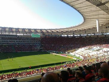 Torcida do Flamengo em dia de jogo Maracanã
