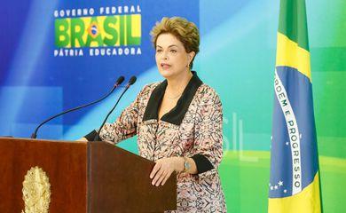 Dilma Rousseff concede entrevista à imprensa estrangeira (Roberto Stuckert Filho/Presidência da República)