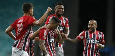 Bahia 1 x 3 São Paulo