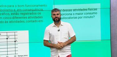 Professor Diego Viug, do Colégio Ao Cubo, explica conceitos de estatística
