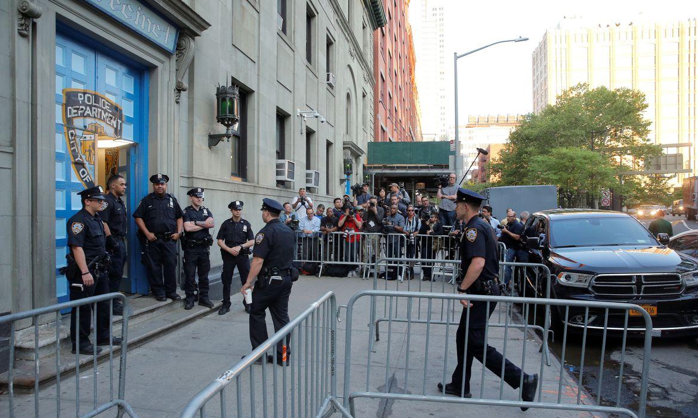 A política de tolerância adotada na área de segurança pública pelos Estados Unidos divide opiniões no país