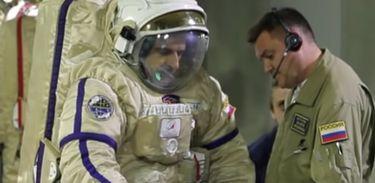 Diário de um Cosmonauta registra o retorno do astronauta russo Mikhail Kornienko para a Terra