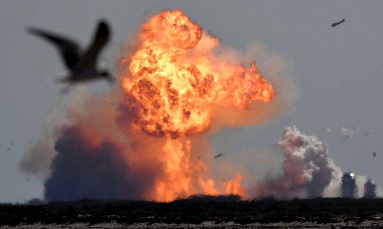 SpaceX Starship SN9 explode durante testes em Boca Chica, Texas (EUA)
