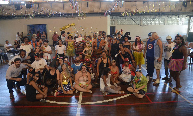 O Centro Integrado de Assistência à Pessoa com Deficiência - CIAD Mestre Candeia, no centro do Rio, faz festa de carnaval para os alunos e familiares