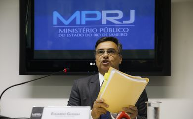 O procurador-geral de Justiça, Eduardo Gussem, fala à imprensa sobre a atuação do MPRJ nas investigações relacionadas ao Caso COAF