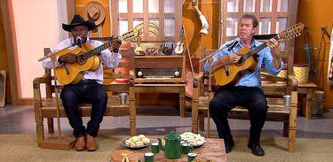 Cassiano & Diquinho cantam uma boa moda de viola no Brasil Caipira