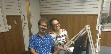 O escritor José Rezende Jr. em entrevista para a Rádio Nacional